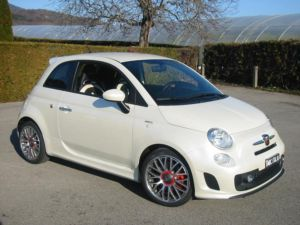 Fiat 500 1 4 16v turbo abarth for Interieur 500 abarth