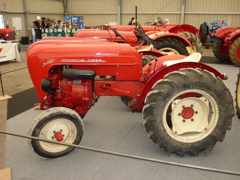 tracteur porsche standard rouge capot arrondi combien a. Black Bedroom Furniture Sets. Home Design Ideas