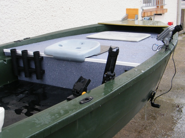 barque remorque moteur thermique et acc ssoires. Black Bedroom Furniture Sets. Home Design Ideas