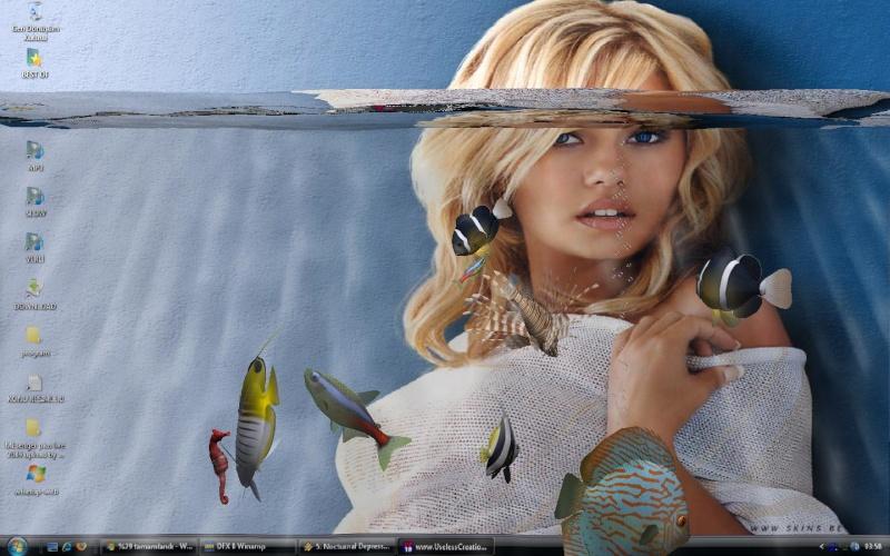 مكتب ويندوز مكعب مائي3D تسبح