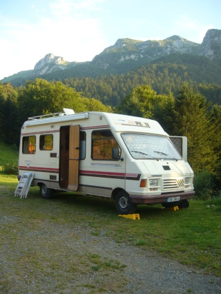fiche technique camping car c25 1988. Black Bedroom Furniture Sets. Home Design Ideas