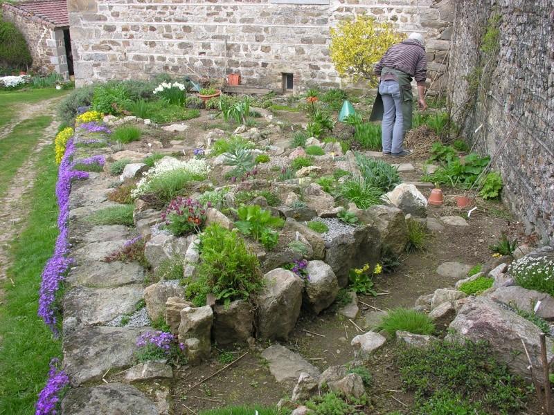 Jardin fleurie toute l annee metz maison design for Rocaille fleurie