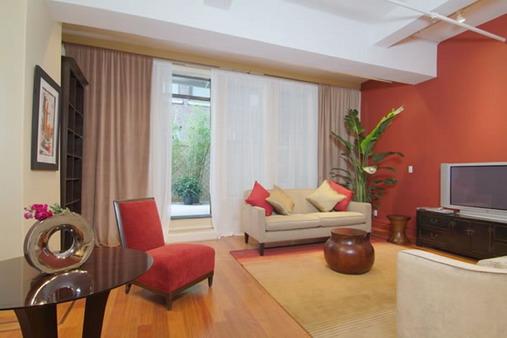 comment peindre les murs de ma salle manger c rus e beige gris page 3. Black Bedroom Furniture Sets. Home Design Ideas