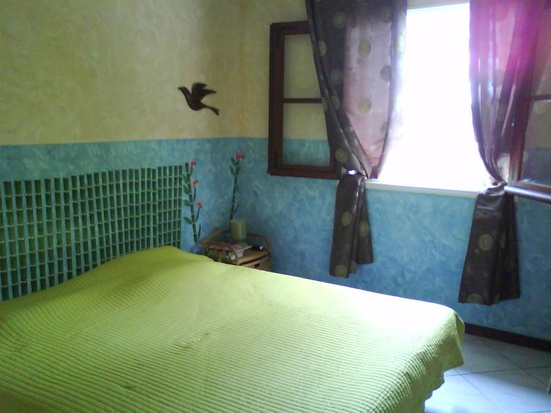 Chambre Turquoise Et Marron