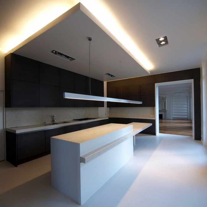 photo with luminaire plafond rampant. Black Bedroom Furniture Sets. Home Design Ideas