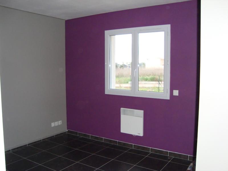 Peinture chambre bande horizontale id es de d coration for Peinture grise pour chambre