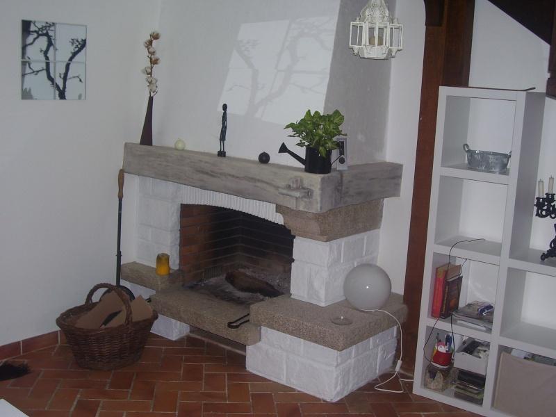 Chemin e en granit un peu vieillotte for Installer une cheminee dans une maison