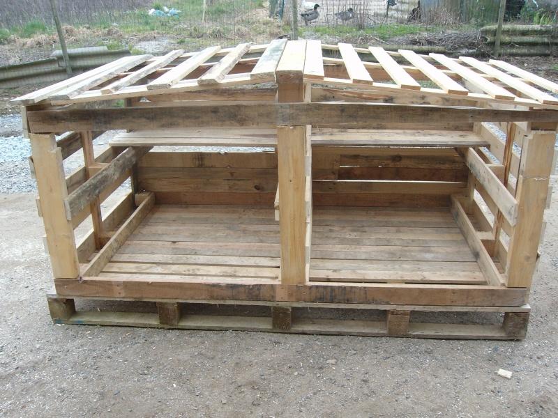 Construction poulailler - Construire son abri de jardin en palette ...