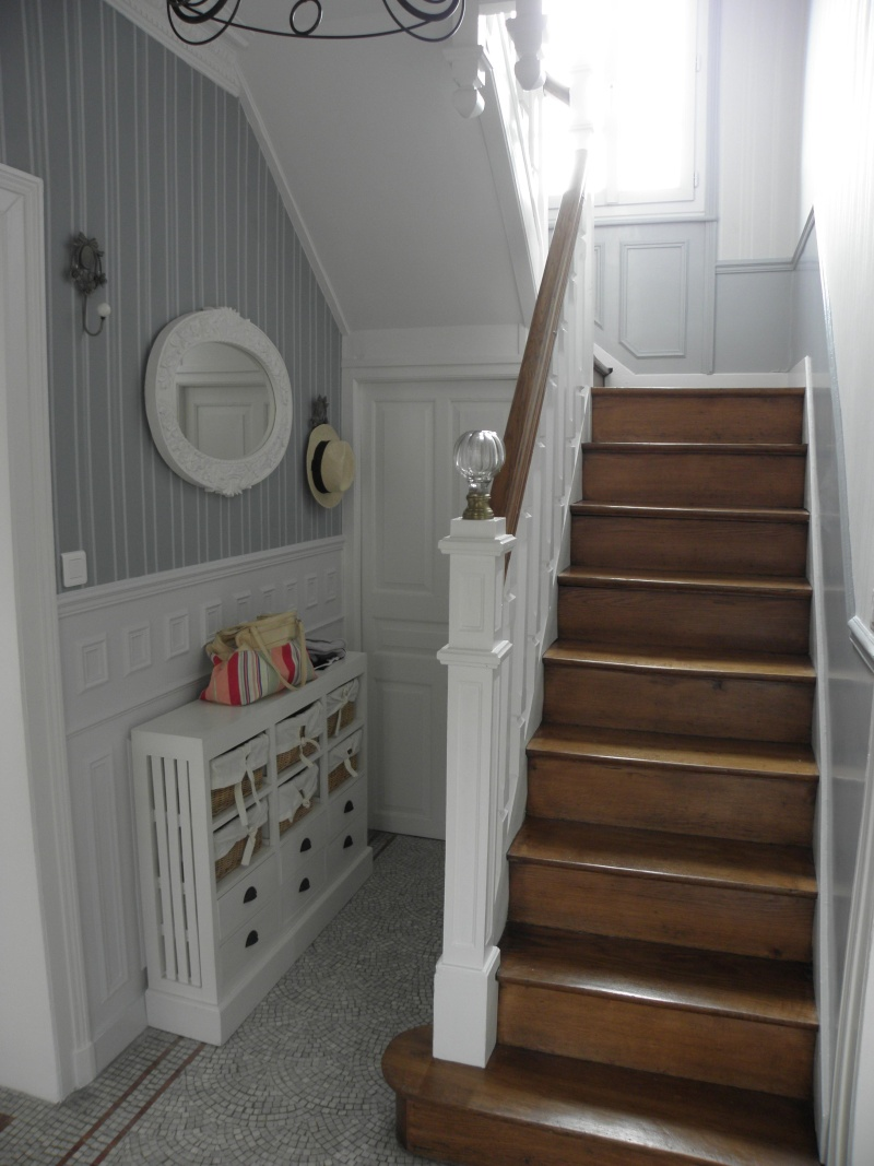 Quelques realisations lf ambiances et deco for Photo escalier peint blanc gris