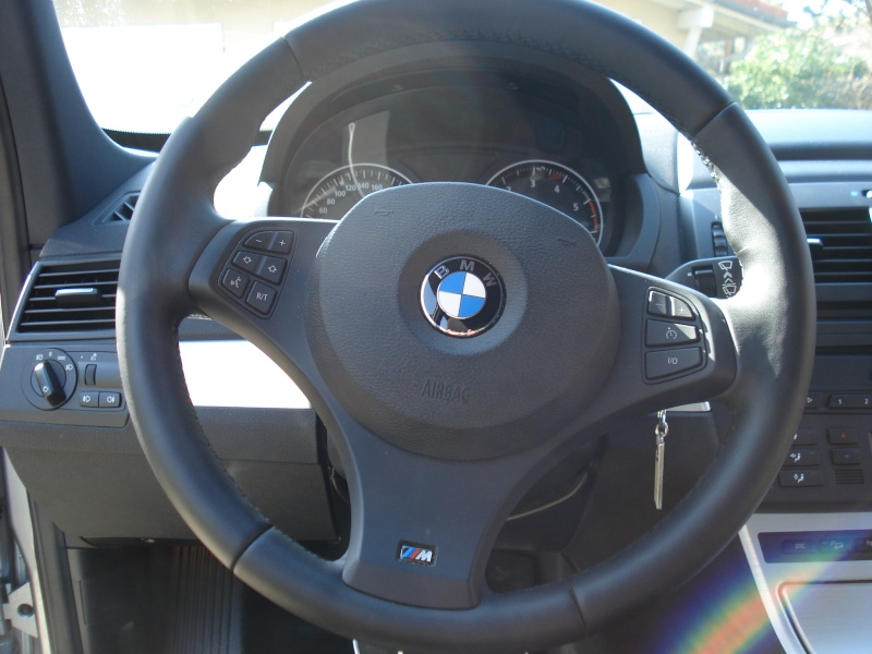 mod le de volant x3 option diff rent selon ann e mod le page 1 forum bmw. Black Bedroom Furniture Sets. Home Design Ideas