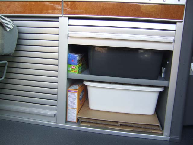 wc la shit box. Black Bedroom Furniture Sets. Home Design Ideas