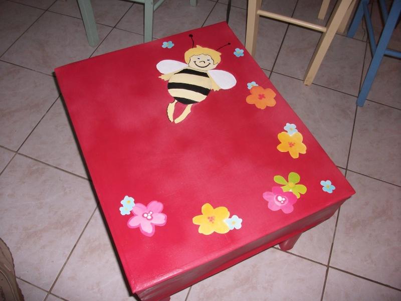 mes premiers meubles en carton. Black Bedroom Furniture Sets. Home Design Ideas